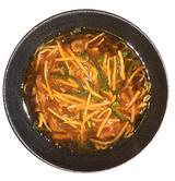 画像: 麻辣牛肉麺は、ザーサイご飯とデザート付 1,620円