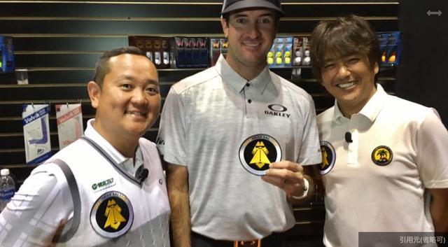 画像: 番組のメインMCはクラブの専門家であるプロゴルファー・関雅史(写真左)とクラフトマン・鹿又芳典(右)。バッバ・ワトソンとパチリ