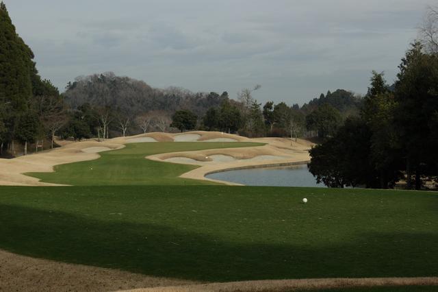 画像: 気温3度でも「緑の芝」からゴルフできる! ゴールデンクロスCC - みんなのゴルフダイジェスト