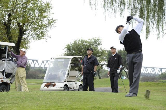"""画像: トランプ大統領と安倍首相が""""ゴルフ外交""""。みんなは「ゴルフで相手を知る」ってどう思う?"""