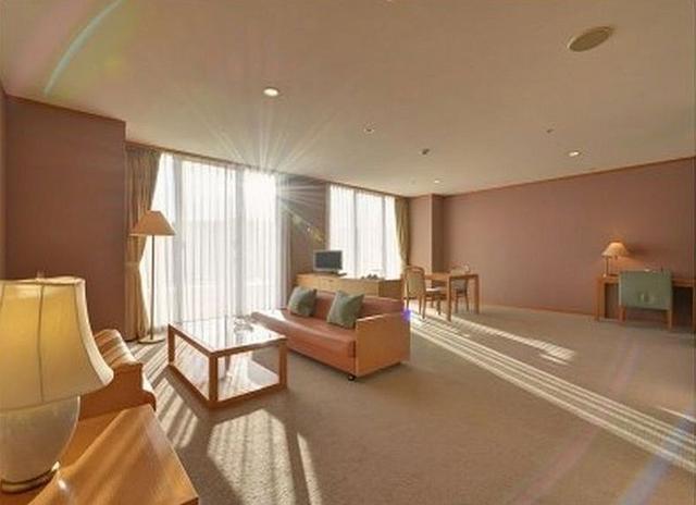 画像: 宿泊費は5400円(平日・一人あたり)。休前日でも8100円とお得!