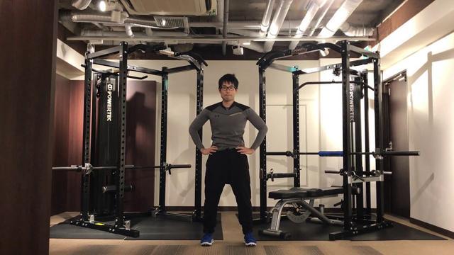 画像: 【簡単ゴルフストレッチ】骨盤まわりの腸腰筋をほぐすストレッチ www.youtube.com