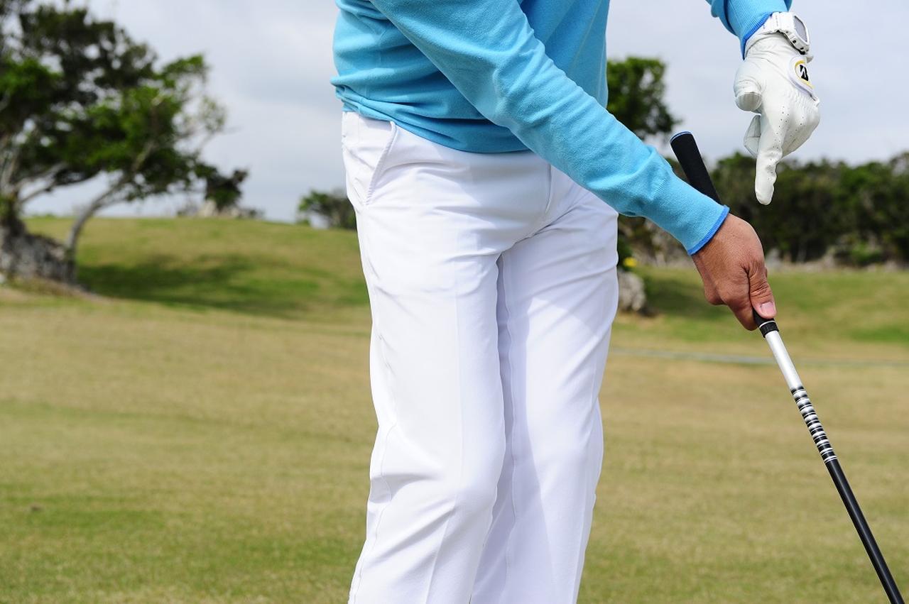 """画像: SWの20Yアプローチ、決め手は""""右手首の角度"""" - みんなのゴルフダイジェスト"""