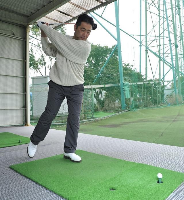 画像: 飛ばすには「体重移動」より「その場回転」がいい!? 体に無理なく飛距離アップできるドリル - みんなのゴルフダイジェスト