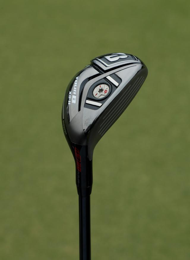 画像: このオフに新顔を投入。アイアン感覚で触れるがアイアンよりもやさしく球が上がる「ブリヂストンゴルフ ツアーB XD-H」