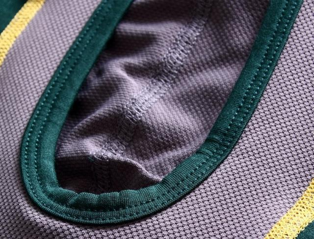 画像: ジョイ ポーチはどんな状況でもひんやり、ドライな肌触りの速乾性生地を使用