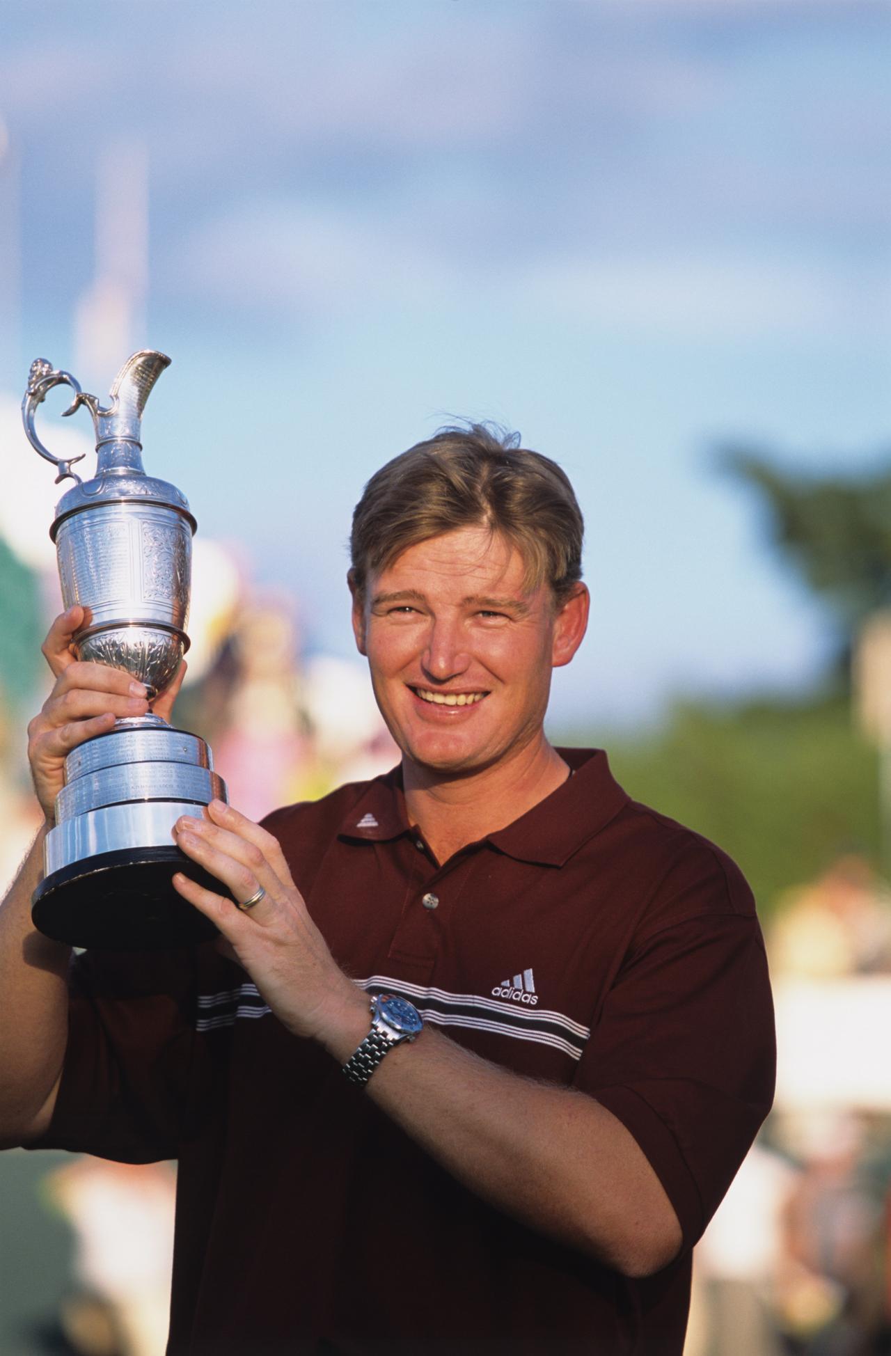 画像: 写真の2002年、2012年と全英OPを2度制しているエルス。全英オープン優勝者はマスターズの5年シードが得られるが……