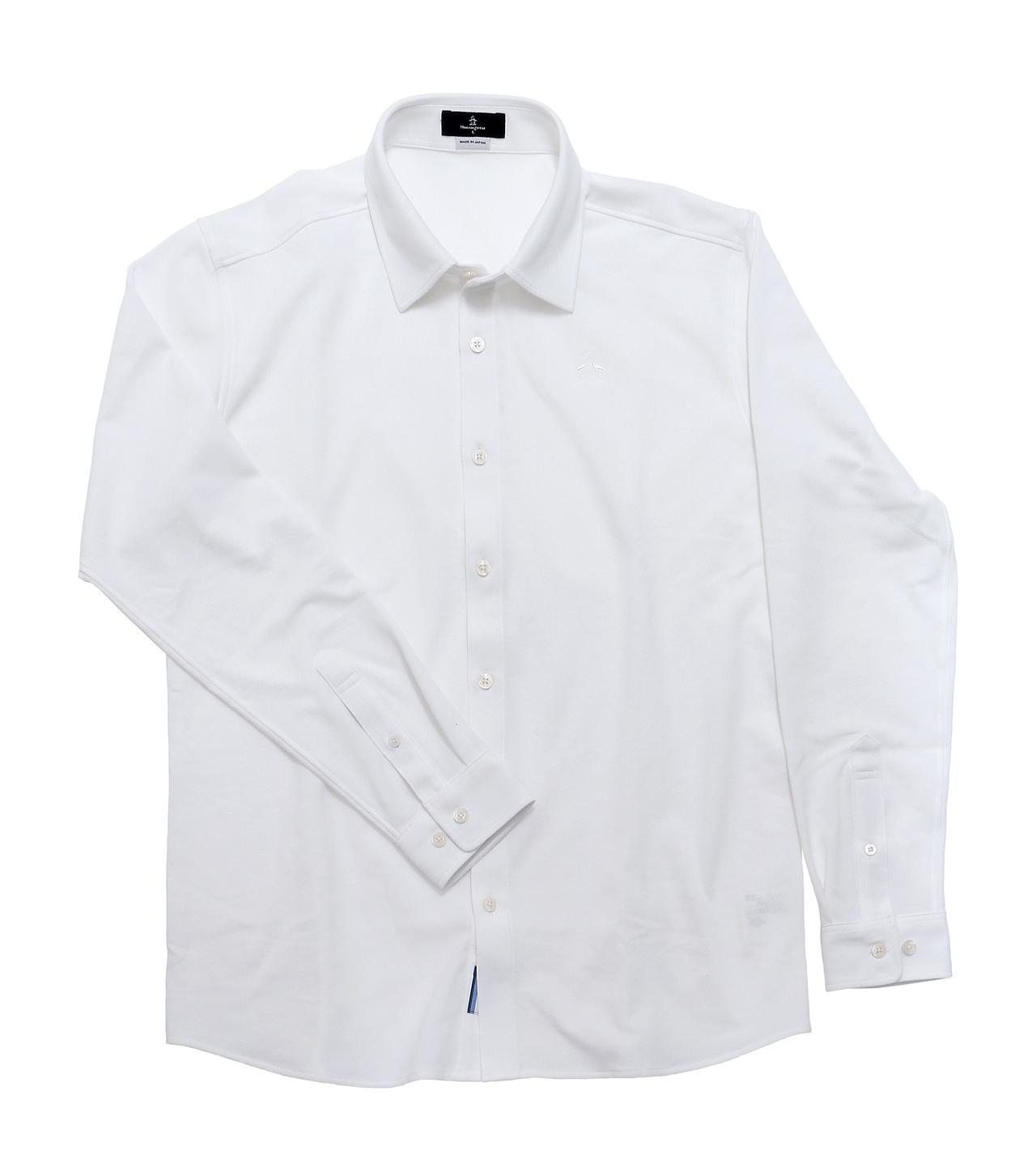 画像: 台襟付きのテーラーカラーシャツなので、きちんと感を備えつつ、カジュアルにも着こなせる