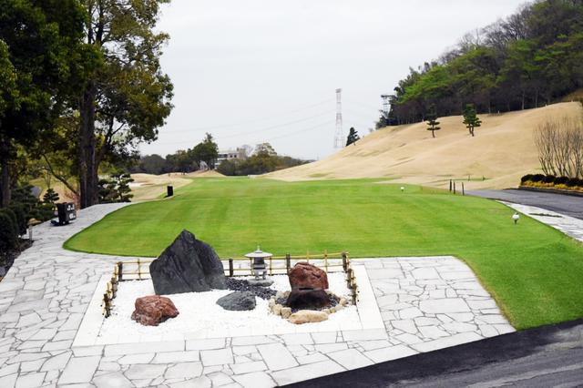 画像: 日本庭園がゴルファーの目を癒す