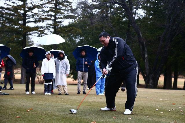 画像: モンゴルの大地で横綱たちとゴルフ対決!「第1回 白鵬カップ IN ウランバートル」がすごい - みんなのゴルフダイジェスト