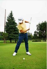 画像: 左足のひざを伸ばす