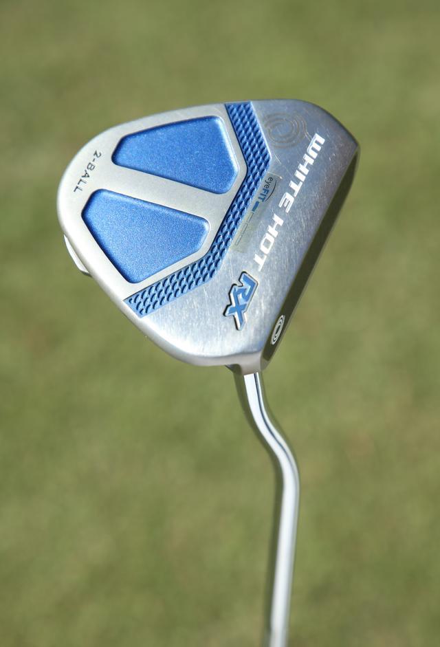 画像: 「構えやすくラインに乗せやすい。打感も柔らかくタッチが合わせやすい」というパター「オデッセイ ホワイトホット RX 2ボール」