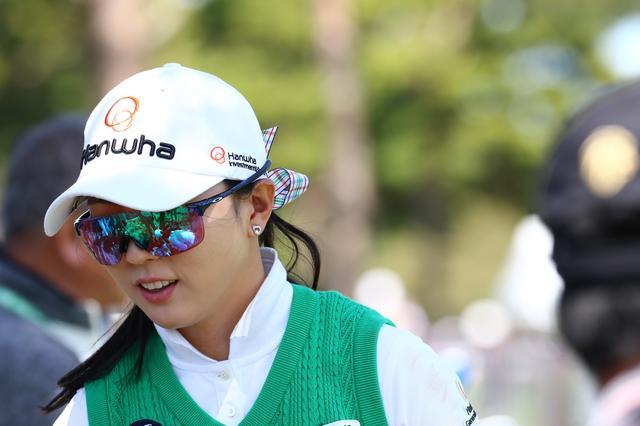 画像: ユン・チェヨンプロは可愛らしくチェックのリボン