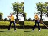 画像: 体が突っ込むと、その時点で腰の回転が止まる。体重は左足に乗せながらも、頭は右足の上に残すぐらいのイメージでいい。目線を右足に向けると、頭が残りやすくなる。左足に体重を乗せて踏み込んだあとで腰を回転させていく。体の回転に伴い、クラブも体の左側に振り抜いていく