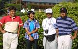 画像: 若き日の宮里三兄弟。左から長男・聖志、藍、父・優さん、次男・優作。撮影は2001年