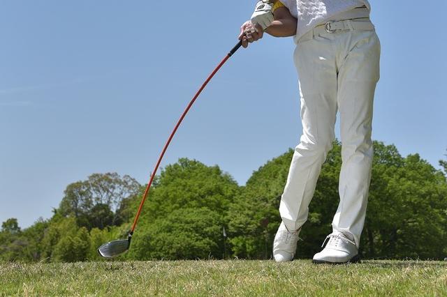 """画像: やさしいドライバーの落とし穴。""""トウダウン""""を防いで飛ばす方法を、ドラコンチャンプに聞いてきた! - みんなのゴルフダイジェスト"""