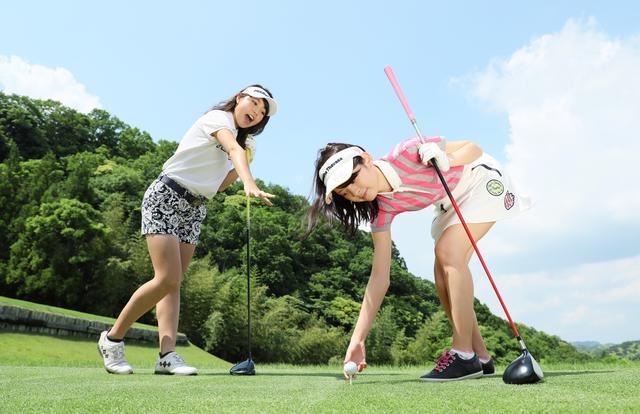 画像: 【ルールQ】空振りのあとに、ティの高さを変えても問題ない? - みんなのゴルフダイジェスト