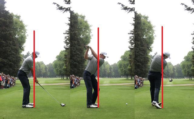画像: バックスウィングで頭がボール方向に近づき(写真中)フォローまでその位置をキープしたまま体は回転する(写真右)