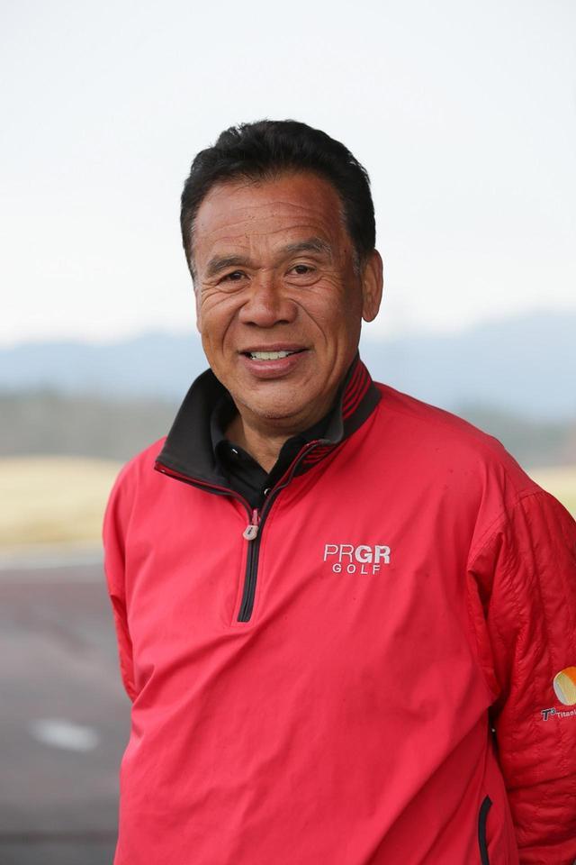 画像: 青山薫(あおやま・かおる)1952年生まれ。長年にわたって多くのアマチュアを指導してきた「下手を教える達人」。2009年レッスン・オブ・ザ・イヤー受賞