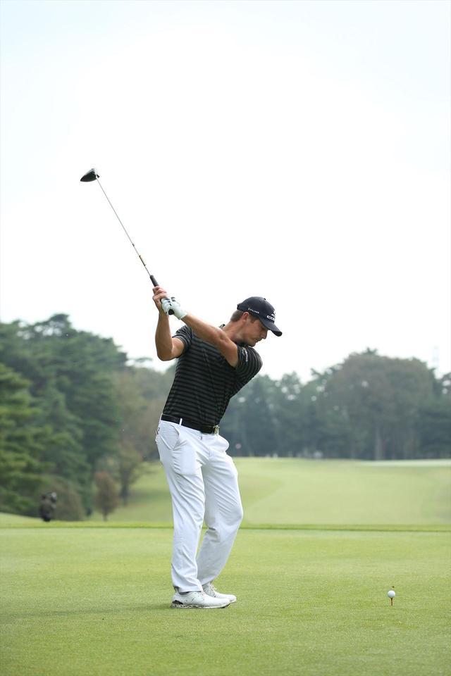 """画像6: ついに勝った「ゴルフの科学者」デシャンボーの""""マシン打ち""""【勝者のスウィング】"""