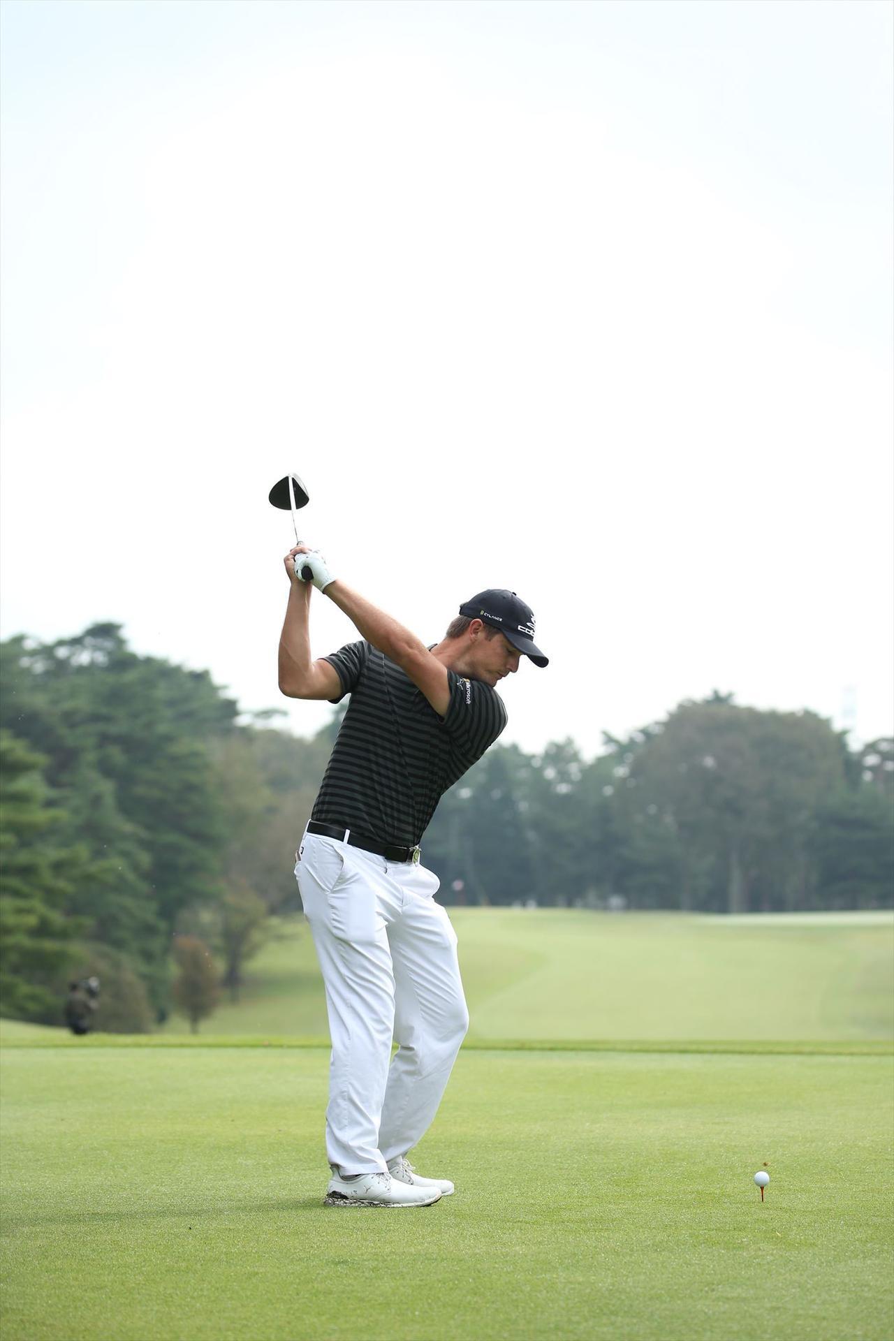 """画像7: ついに勝った「ゴルフの科学者」デシャンボーの""""マシン打ち""""【勝者のスウィング】"""