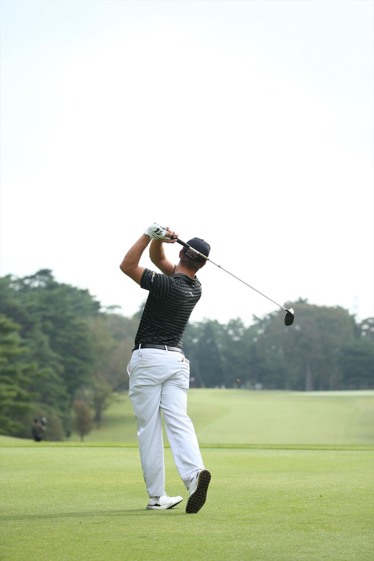 """画像17: ついに勝った「ゴルフの科学者」デシャンボーの""""マシン打ち""""【勝者のスウィング】"""
