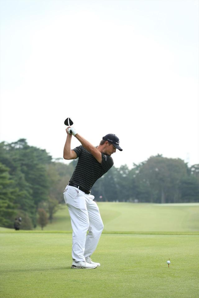 """画像9: ついに勝った「ゴルフの科学者」デシャンボーの""""マシン打ち""""【勝者のスウィング】"""