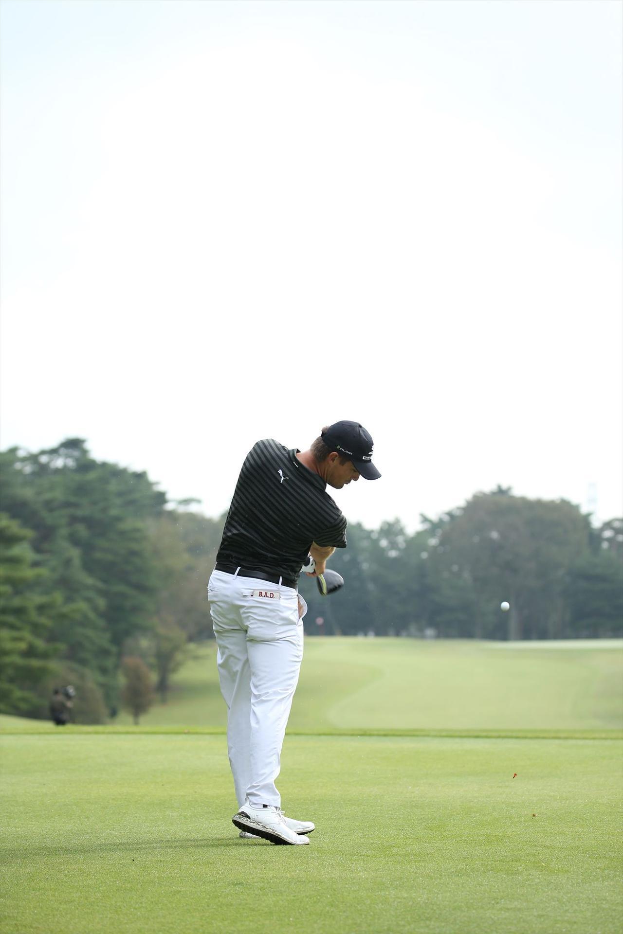 """画像12: ついに勝った「ゴルフの科学者」デシャンボーの""""マシン打ち""""【勝者のスウィング】"""
