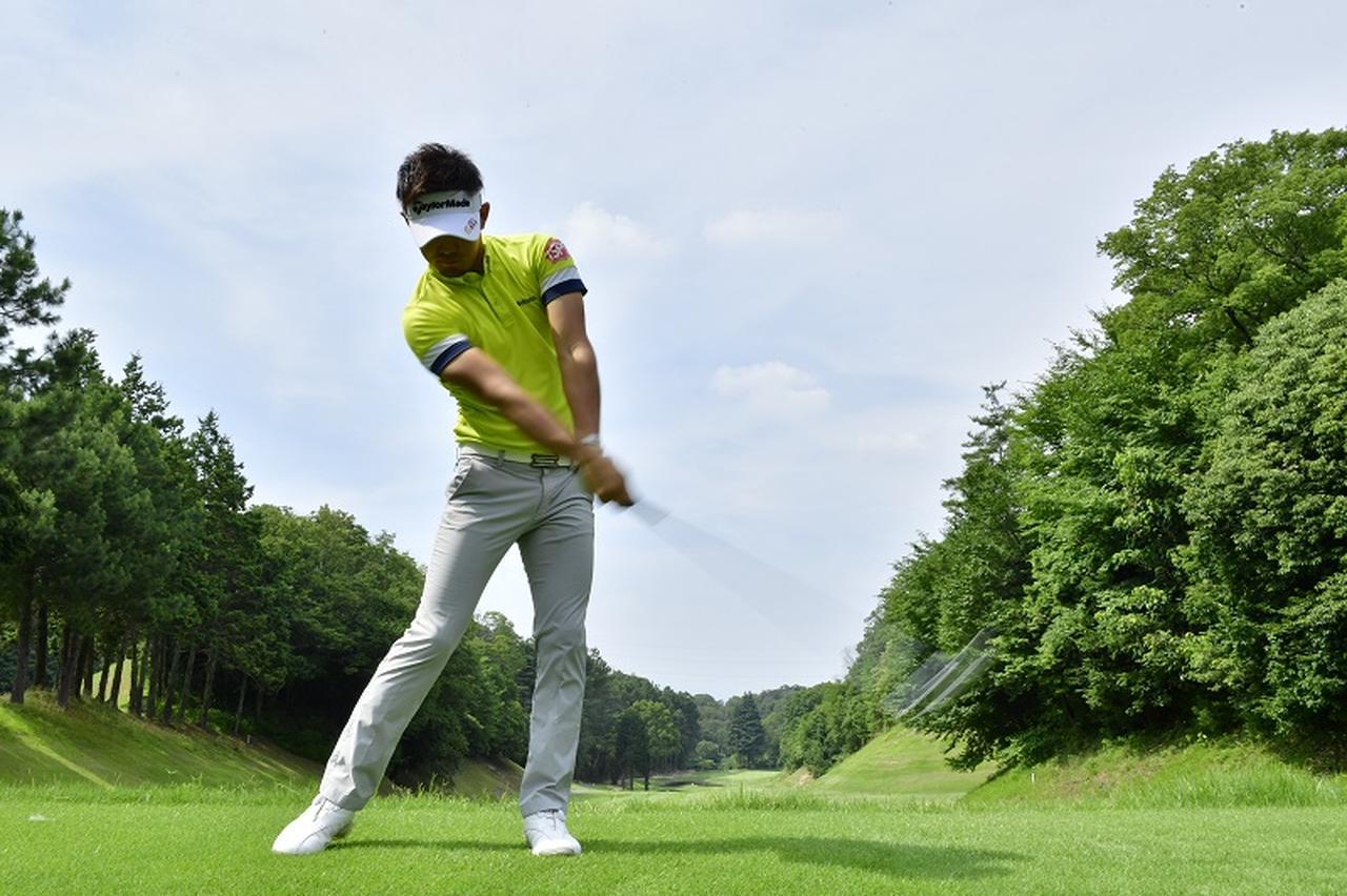 """画像: アイアンショットの""""意識改革""""! ボールの「真上」を見て振ろう - みんなのゴルフダイジェスト"""
