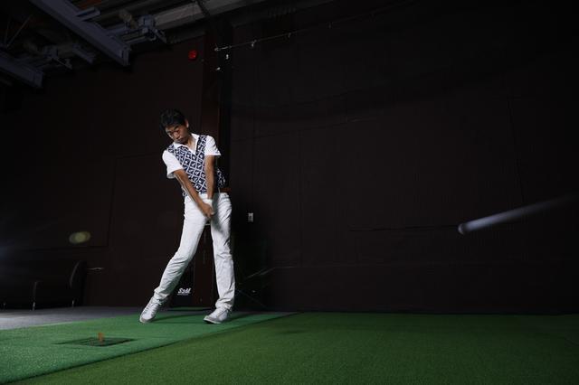 画像: 試打は最新鋭の設備とゆったりとした空間が魅力のパフォーマンスゴルフスタジオ(東京・新小岩)で実施した