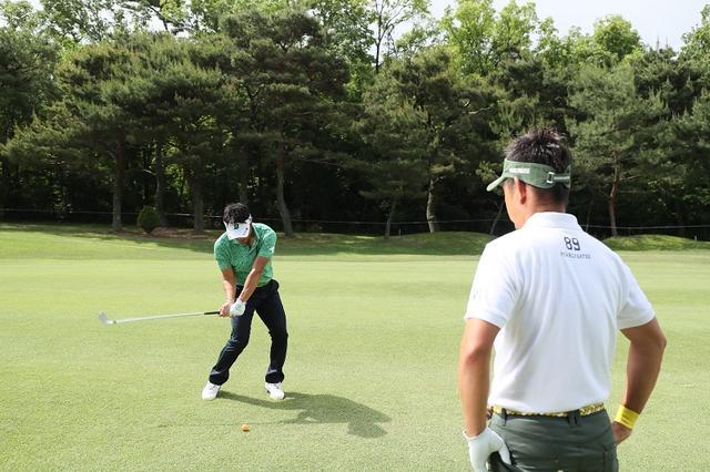 画像: 宮本勝昌が教えてくれた。アイアンは「上から真っすぐ」打てばいい! - みんなのゴルフダイジェスト