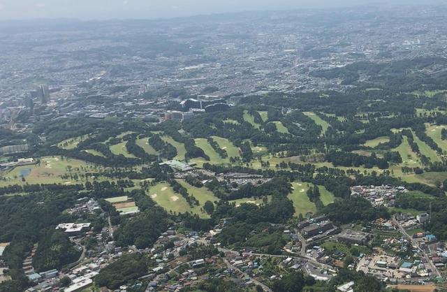 画像: こんな角度で横浜カントリークラブを見られるなんて!