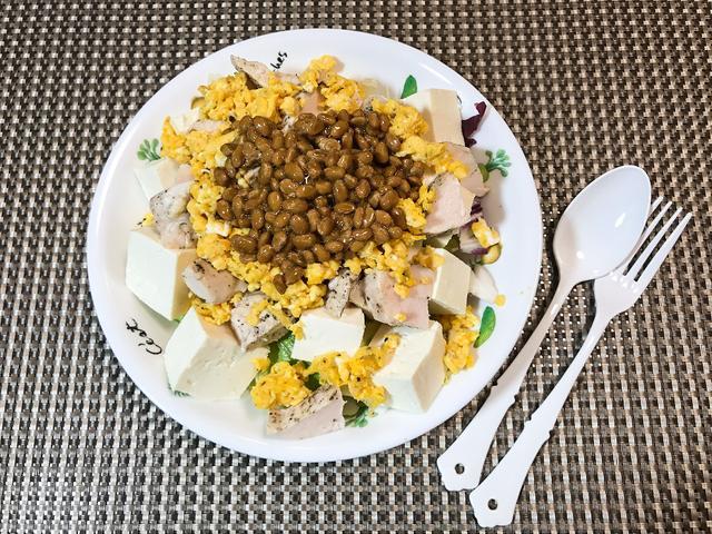 画像: 「只野スペシャル」は、お好みで味付けに塩コショウや醤油をかけてもよい