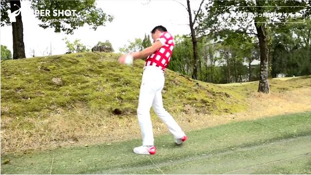 画像: 傾斜地からでもドライバーでナイスショット! 武市悦宏の「ツイスト打法」 - みんなのゴルフダイジェスト