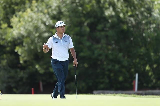 画像: PGAツアーでは、獲得賞金とは別にポイントによる年間王者争いが繰り広げられる。シーズン最終戦を終えて年間王者に輝いた選手に贈られるボーナスは1000万ドル! 現在ポイントトップの松山は日本人初の年間王者になることができるか?(写真:2017年全米プロゴルフ選手権 最終日)