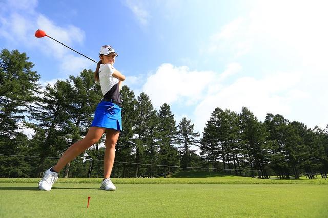 画像: 平均250ヤード超。飛ばし屋・渡邊彩香は「肩の回転」で飛ばしてる!? - みんなのゴルフダイジェスト