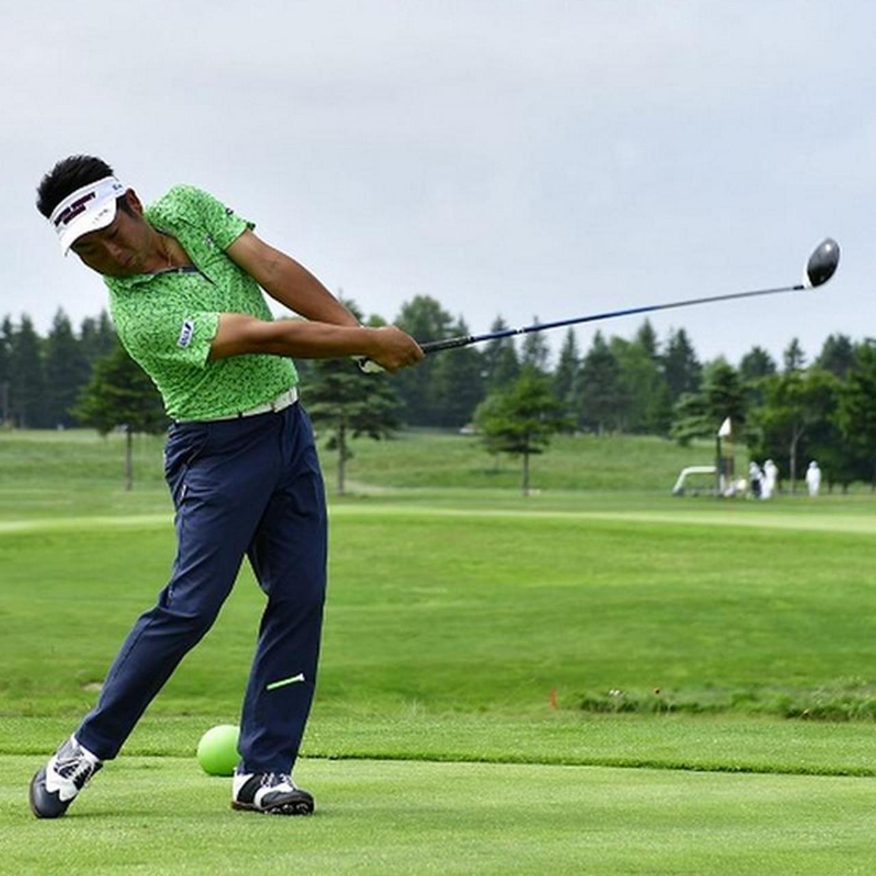 """画像: 平均飛距離300Y超! 昨年から20Y伸ばした池田勇太の""""デカフォロー""""【勝者のスウィング】 - みんなのゴルフダイジェスト"""