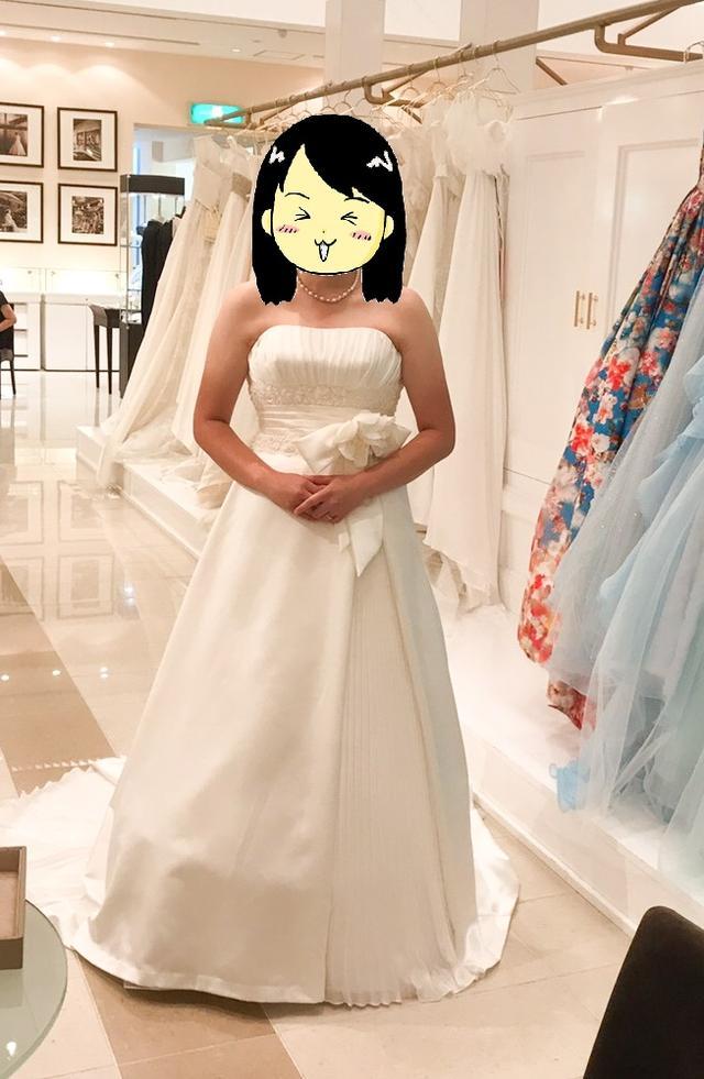 画像: 初めてのウエディングドレスに緊張しました