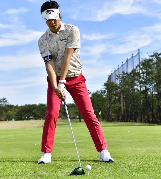 画像: 石川遼が教えてくれた。体の正面で打つには「右足の前で打つくらいでちょうどいいんです」 - みんなのゴルフダイジェスト