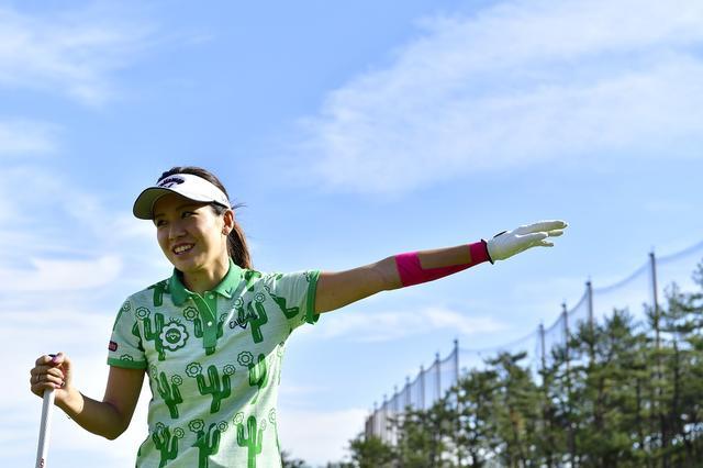 23be388cc705c 藤田光里が教えてくれた「飛ばしたいならフィニッシュまで一気に振ってみて!」 ゴルファー ...