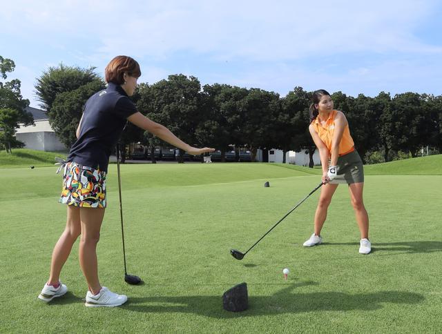 画像: 【ルールQ】「暫定球」と言わずに打ったらどうなるの? - みんなのゴルフダイジェスト