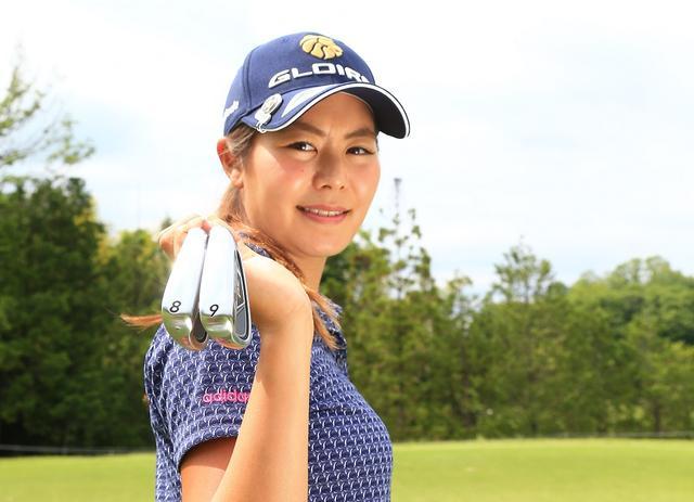 """画像: 130〜140ヤードは絶対乗せる! 松森彩夏が教えてくれた「8番、9番」本当の""""使い方"""" - みんなのゴルフダイジェスト"""
