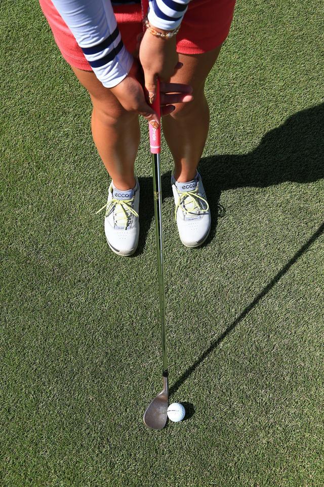 画像: スタンスは真っすぐ。キャリー6:ラン4の比率。ロフトで高さを出したいときに有効