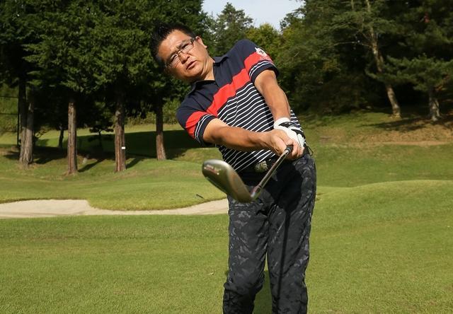 画像: 腰から腰までの振り幅で距離感を覚えよう