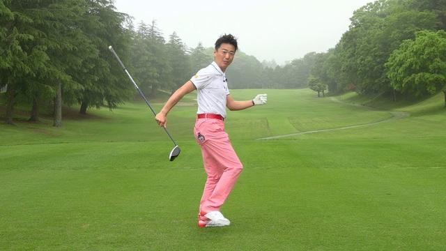 """画像: ヒントは「左足かかと」にアリ! 飛ばしのための""""体重移動""""【動画LESSON】 - みんなのゴルフダイジェスト"""