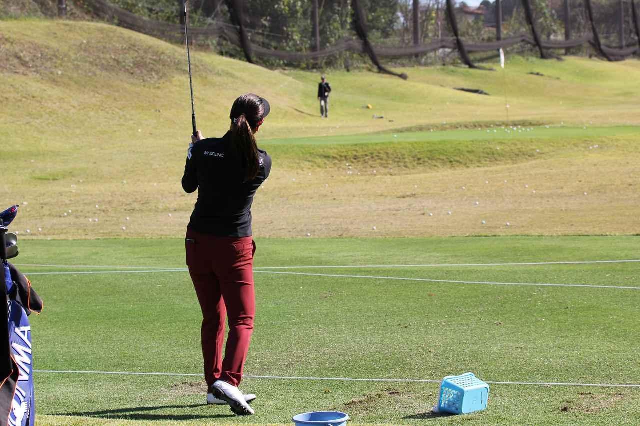 画像: 打っていく先に人がいる!? 「世界1位」と「元・世界1位」の練習法 - みんなのゴルフダイジェスト