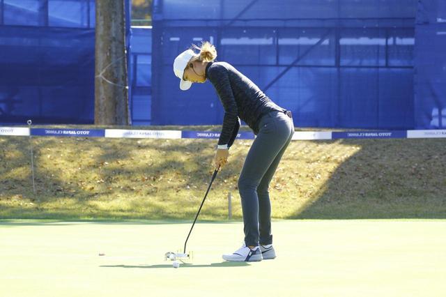 画像: ここまでやるのかっ。ミッシェル・ウィの「超シビア」パター練習 - みんなのゴルフダイジェスト
