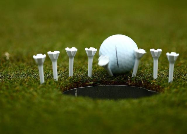 画像: いや〜な1メートルの曲がるラインは、狙いを細分化して沈めよう【入っちゃう!パットの法則 #12】 - みんなのゴルフダイジェスト