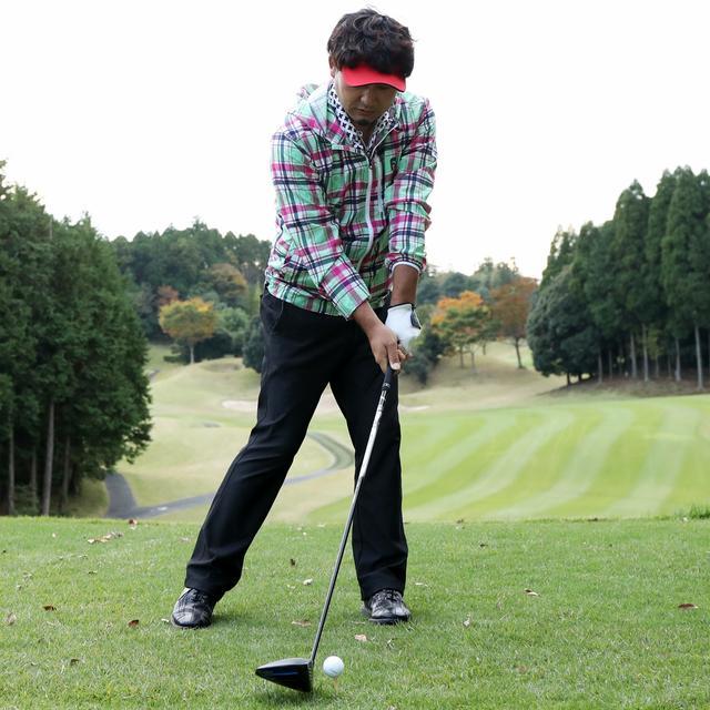 画像: テンプラは頭がボールの上、あるいはそれより左(前側)にあることで起こる