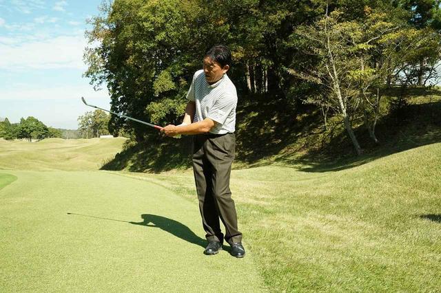 画像: 羽川豊が提言! アプローチは「左右対称」に振れば寄る - みんなのゴルフダイジェスト